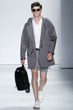 Todd Snyder unveiled his Spring/Summer 2016 collection during New York Fashion Week: Men's. Men's Fashion, Mens Fashion Week, New York Fashion, Fashion Show, Fashion Spring, London Fashion, Denim Jacket Fashion, Todd Snyder, Sport Casual