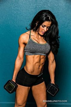 i cant believe i found @jessicaarrevelo on fitness inspirations. I remember when i first met her, i knew she was going to be at the top of fitness competitors! She has so much drive and discipline there's no stopping her!!!