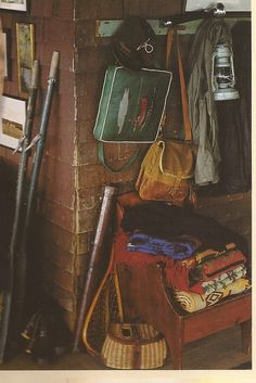 vintage cabin - great display ideas using usable items that are actually needed in a cabin in the woods or on lake