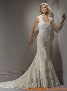 Robe sirène avec bretelle spéciale en satin et dentelle ornée de broderies et de perles robe de mariée 2011