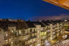 FINN – ALEXANDER KIELLANDS PLASS - Lekker 3(4)-r loftsleilighet med herlig vinterhage, mulighet for peis og 90 kvm gulvareal! Modern Kitchen Design, Real Estate, Amazing, Places, Home, Real Estates, House, Ad Home, Homes
