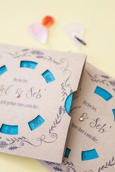 UN SAVE THE DATE QUI TOURNE ! Le matériel qu'il vous faut : - fichier à télécharger - Du papier un peu épais (type papier à dessin ou bristol) - Un cutter et une règle - Du double face ou de la colle - Des attaches parisiennes