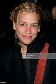 Actress Piper Perabo arriving at The Leary Firefighters Foundation Benefit at The Park Restaurant in New York City. Get premium, high resolution news photos at Getty Images Annie Walker, Piper Perabo, Covert Affairs, Golden Globe Award, Firefighters, Best Actress, Girl Poses, American Actress, Natural Beauty