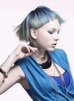 """blue Lady"" https://sumally.com/p/1174617?object_id=ref%3AkwHNI5eBoXDOABHsWQ%3Av5DU"