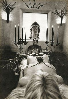 SALVADOR DALI.....1965....PHOTO BY WERNER BOKELBERG.....PARTAGE OF INVI O....