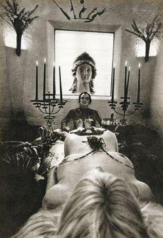 SALVADOR DALI.....1965....PHOTO BY WERNER BOKELBERG.....PARTAGE OF INVI O....