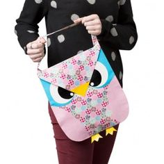 Duck Tape Owl Tote. It looks kind of angry doesn't it?