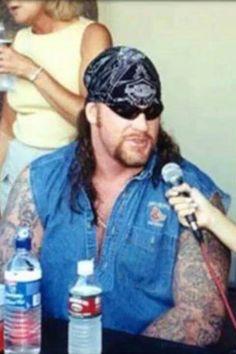 Wwe Wrestlemania 34, Hitman Hart, Undertaker Wwe, Vince Mcmahon, Stone Cold Steve, Steve Austin, Wwe Wrestlers, Professional Wrestling, Wwe Superstars