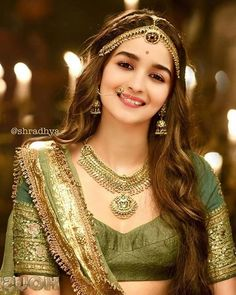 Indian Bollywood Actress, Bollywood Girls, Beautiful Bollywood Actress, Most Beautiful Indian Actress, Indian Actresses, Bollywood Saree, Bollywood Fashion, Alia Bhatt Photoshoot, Indian Photoshoot