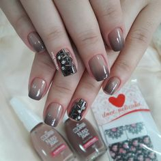"1,603 Likes, 26 Comments - Grazi Brum (@grazielabrum) on Instagram: "" Unhas @laalmeeida_, inspiração @fransedoski ❤ . #grazibrumnails #unhas #nail #nails #nailart…"""