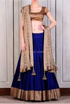 Gorgeous #Blue #Silk Lehenga Looks Really Pretty. #DesignerLehenga || #BirdalLehenga || #LehengaCholi || #Fashion