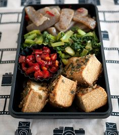 """Bento box lunch ideas: as an indecisive """"mini muncher,"""" this concept is something I will be trying immediately!"""