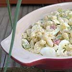 Vinaigrette 1. Fouettez ensemble la mayonnaise, le vinaigre, le jus des cornichons, la moutarde, le sel de céleri et le poivre; en fouettant, incorporez l'huile d'olive et l'huile végétale...