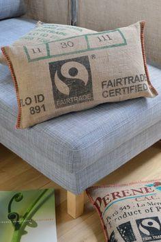 Coussins LILOKAWA 100% toile de jute de sacs de café recyclés. Made in Nantes. Dimensions : 63 X 32cm Forme : rectangle