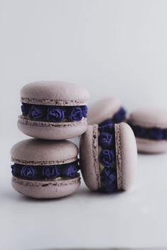 All About French Macarons Baking butter love - it can be difficult . - All About French Macarons Baking Butter Love – Macarons can be difficult to make, but I& w - Cute Desserts, Dessert Recipes, Macaroon Cookies, Pink Macaroons, Macaron Cake, How To Make Macarons, Bakers Gonna Bake, Macaroon Recipes, Eat Pretty