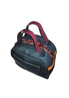 Sac vanity jean recyclé coton denim tissus imprimé fleurs intérieur  entièrement doublé. Fleurs Intérieur 3b9b9370a4e