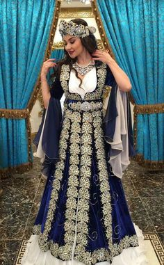 Dikiş Evi & Kaftan Abaya Fashion, Fashion Dresses, Estilo Abaya, Turkish Wedding, Fantasy Gowns, Afghan Dresses, Gowns Of Elegance, Moda Emo, Bridal Wedding Dresses