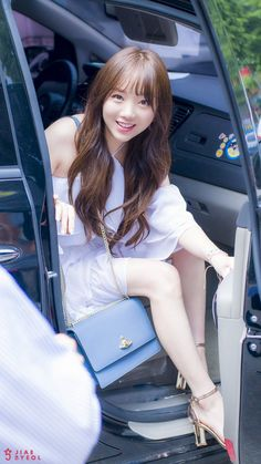 South Korean Girls, Korean Girl Groups, Lovelyz Kei, Arin Oh My Girl, Uzzlang Girl, Girl Photography, Korean Singer, Kpop Girls, My Idol