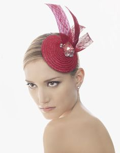 Find more accessories and wedding dresses here : airebarcelona. Sombreros Fascinator, Fascinator Headband, Fascinators, Headpieces, Red Hat Society, Crazy Hats, Pink Hat, Red Hats, Bridal Hair Accessories