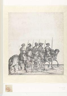 Hans Burgkmair (der Ältere) | Vijf jagers te paard bij de jacht naar wilde zwijnen, Hans Burgkmair (der Ältere), 1483 - 1526 | Vijf jagers te paard lopen op een rij met hun zwaarden in de hand. Zij maken deel uit van een triomftocht van keizer Maximiliaan I. In de serie volgt deze scène op een prent met wilde zwijnen, de dieren waar zij jacht op maken.