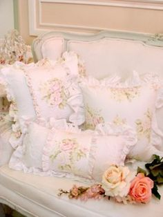 .Love the pillows ...