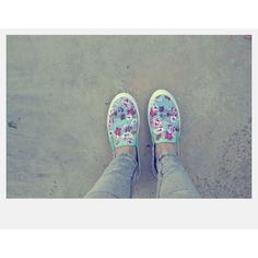 ece8f91dc637a Ya es de lo más normal añadir  calzado deportivo a los looks urbanos y  casuals