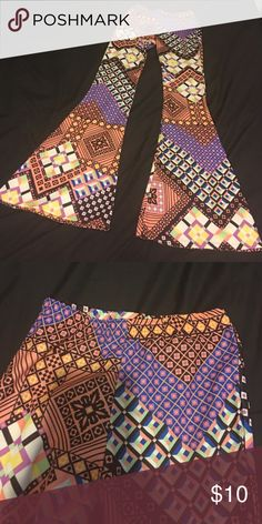 Stretch pants Tribal print stretch pants with elastic waist *wide leg* any questions on any items please feel free to ask before purchase Pants Wide Leg