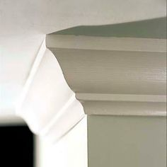 How to size crown molding in proportion to your wall height. | Photo: Kolin Smith | thisoldhouse.com
