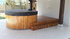 Whatsapp 11 980409545  Deck para jacuzzi  Materiais utilizados: Madeira teca