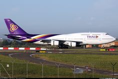 Thai Airways International Boeing 747-4D7 during landing rollout at Sydney, December 2014