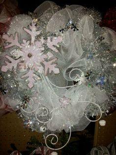 White Snowflake Wreath by ShareTheHolidays on Etsy, $35.00