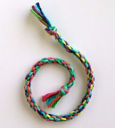 Art Projects for Kids: How to Make a Round Braid. Ten step tutorial.