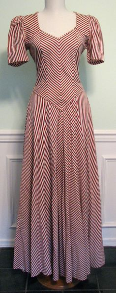 Vintage Dress Chevron Patriotic 1940s Tall by GracefulVtgClothing