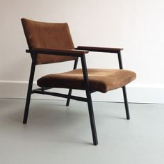 Located using retrostart.com > Lounge Chair by Unknown Designer for Avanti