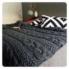 Curl up on a cold day with the cozy ASPEN Blanket by Go-Girl Knitting. This blanket will make a great accent in your home. Curl up on a cold day with the cozy ASPEN Blanket by Go-Girl Knitting. This blanket will make a great accent in your home. Knitted Afghans, Knitted Throws, Crochet Blanket Patterns, Knitting Patterns, Knitted Bunting, Crochet Pattern, Giant Knitting, Finger Knitting, Arm Knitting