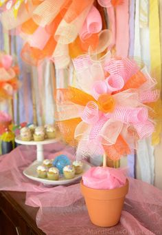 Party Ideas by Mardi Gras Outlet: Sweet Summer Party Ideas with Deco Mesh ***deco mesh pom-pom!***