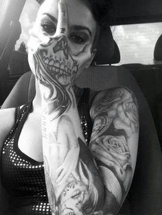 Unique ink ideas for men and women – from tradition… Beautiful, original tattoos. Unique ink ideas for men and women – from traditional black-and-grey designs to full-color portraits. Kunst Tattoos, 3d Tattoos, Skull Tattoos, Sexy Tattoos, Body Art Tattoos, Tattoo Ink, Tatoos, Skull Hand Tattoo, Female Hand Tattoos