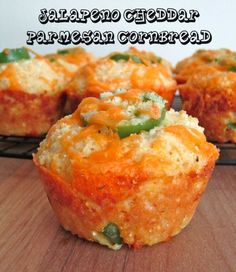 Recipe For Jalapeno Cheddar Parmesan Cornbread Muffins - I absolutely loved them. You have this cheesy cornbread perfectly portioned into muffins that are filled with diced jalapenos and two different kinds of cheeses. I Love Food, Good Food, Yummy Food, Tasty, Cornbread Muffins, Cornbread Recipes, Corn Muffins, Cheesy Cornbread, Jalapeno Cheddar Cornbread