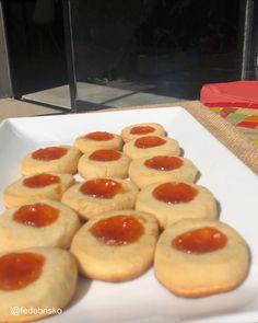"13.9 mil Me gusta, 336 comentarios - Mago Brisko 👨🏼🦲🎩 (@fedebrisko) en Instagram: ""Pepas!!! Etiquetá para que las preparen y te inviten a tomar unos mates virtuales.  Ingredientes:…"" Doughnut, Waffles, The Originals, Breakfast, Desserts, Instagram, Food, Butter, Deserts"