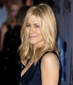 Jennifer Aniston's Flowy Lob