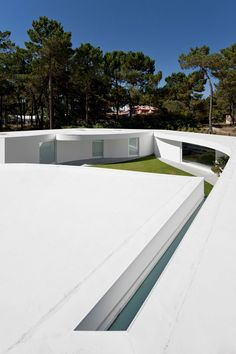 House in Aroeira, Portugal by Aires Mateus | Yatzer