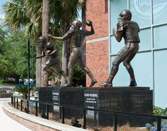 Strike the heisman pose with UF's heisman winners: Steve Spurrier, Danny Wuerffel, and Tim Tebow. Florida Gators Football, Florida Athletics, Gator Football, College Fun, College Football, Tim Tebow, Florida Girl, University Of Florida, Amazing Pics