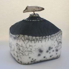 Hill Jar Contour 24 by Patricia Stones 'Broad rig fields' 19cm x 23cm x 23cm 2012, £POA  ||  http://www.patriciashone.co.uk/pages/raku.php