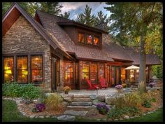 Log Cabin Homes, Log Cabins, Traditional Exterior, Cabins And Cottages, Cabins In The Woods, Lands End, My Dream Home, Exterior Design, Patio Design