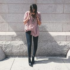 Oversize-Striped-Shirt-Skinny-Jeans-Black-Booties