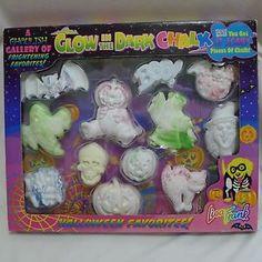 Lisa-Frank-Glow-In-The-Dark-Halloween-Chalk-NIP-1990s-12-Pieces-Skull-Ghost-Bat