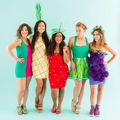 How to Be a Fruit Salad With Your Squad for Halloween - Karneval Kostüm Damen Work Appropriate Halloween Costumes, Food Halloween Costumes, Duo Costumes, Fruit Costumes, Classic Halloween Costumes, Hallowen Costume, Art Costume, Theme Halloween, Group Costumes
