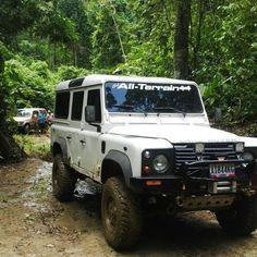Land Rover Defender 110 Td5 Off road.
