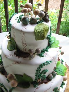 Woodland cake: I am flying @Kris Tormoehlen to Boise to make this for my birthday! (Someday)