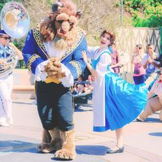 belle and beast Disney Girls, Disney Love, Disney Magic, Walt Disney, Belle And Adam, Belle And Beast, Disney Face Characters, Group Shots, Disney Princes
